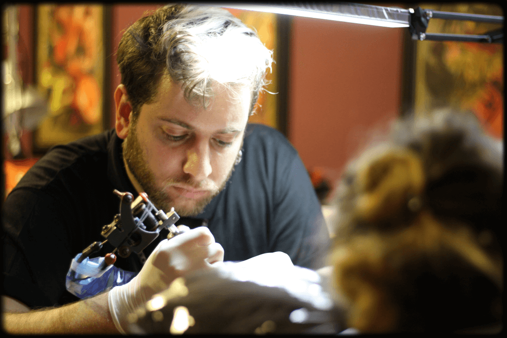 tattoo artist omri