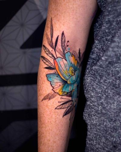 קעקוע פרח כחול צהוב - קעקועיזם